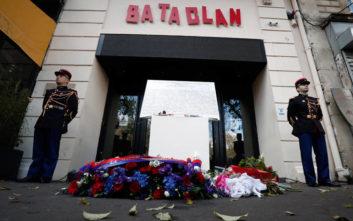 Δεν ξέχασαν τα θύματα του μακελειού στο Παρίσι οι Γάλλοι
