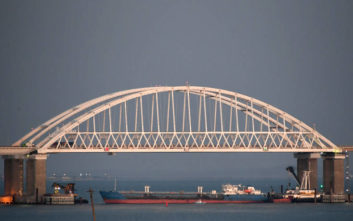 Η Ρωσία «αίρει εν μέρει» τον αποκλεισμό των ουκρανικών λιμανιών