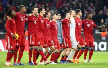 Οι οπαδοί απαίτησαν μόνο κόκκινο και λευκό και η διοίκηση το έκανε πραγματικότητα