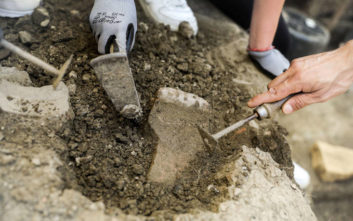 Επιστήμονες θα επανεξετάσουν τα οστά των βασιλικών τάφων της Βεργίνας