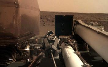Η πρώτη φωτογραφία του InSight από το έδαφος του πλανήτη Άρη