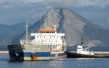Συνεχίζεται η αποχή των εργαζομένων στα περιφερειακά λιμάνια της χώρας