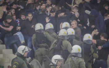 Φαν Ντερ Σαρ: Η αστυνομία επέτρεψε να απειληθεί η ζωή των οπαδών μας