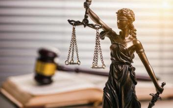 Διατάχθηκε η μεταγωγή στο δικαστήριο το δικηγόρου που προφυλακίστηκε για τη «μαφία των φυλακών»