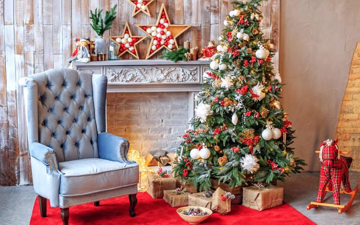 Τέσσερις προτάσεις για να στολίσετε το χριστουγεννιάτικο δέντρο σας