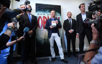 Ο Νταν Μπράουν των 250 εκατ. βιβλίων μοιράζεται τη συνταγή της επιτυχίας του