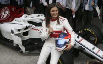 Η Tatiana Calderón οδηγεί την Sauber C32-Ferrari