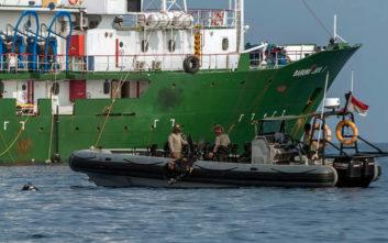 Ανασύρθηκε ένα από τα μαύρα κουτιά του αεροσκάφους στην Ινδονησία