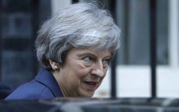 Η Μέι ενημερώνει τους υπουργούς της για το σχέδιο συμφωνίας για το Brexit