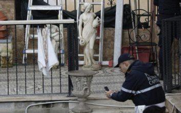 Μπουλντόζες κατεδάφισαν τις κιτς βίλες μιας μαφιόζικης φατρίας στα περίχωρα της Ρώμης