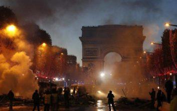 Στις 130 οι συλλήψεις από τα βίαια επεισόδια στη Γαλλία