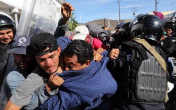 Προς απέλαση οι μετανάστες που επιχείρησαν να περάσουν τα σύνορα Μεξικού - ΗΠΑ