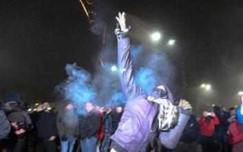 Τεταμένη ατμόσφαιρα έξω από ρωσικές διπλωματικές αποστολές στην Ουκρανία