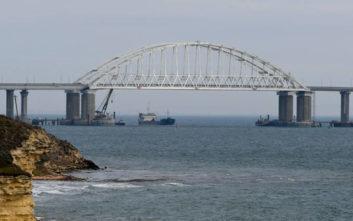 Μέρκελ και Μακρόν καλούν τη Μόσχα να απελευθερώσει τους Ουκρανούς ναύτες