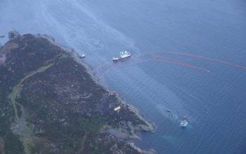 Χάνεται κάτω από το νερό η φρεγάτα που συγκρούστηκε με τάνκερ στη Νορβηγία