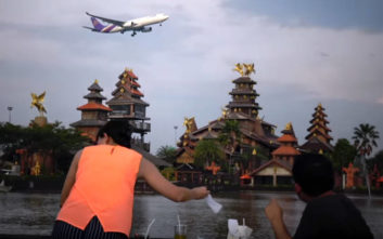 Το εστιατόριο που τα αεροπλάνα περνούν πάνω από το κεφάλι των πελατών