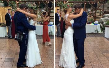 Η ηλεκτρισμένη στιγμή που η νύφη χορεύει για τελευταία φορά με τον πατέρα της