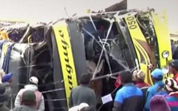 Φονική σύγκρουση λεωφορείου με φορτηγό