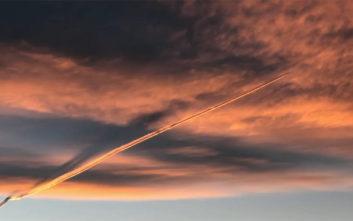 Εντυπωσιακή γραμμή «ψεκασμού» εμφανίστηκε στον ουρανό του Κολοράντο