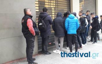 Στην ουρά λόγω Black Friday στη Θεσσαλονίκη