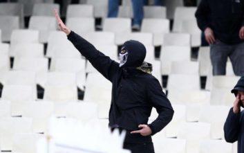 Ναζιστικός χαιρετισμός στην κερκίδα του Άγιαξ, εκεί που σηκώνουν εβραϊκές σημαίες