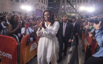 Τα αστεία μηνύματα που αντάλλαξε η Μισέλ Ομπάμα με τη μαμά της στα βραβεία Grammy