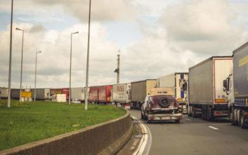 Εντοπίστηκαν 21 μετανάστες από το Βιετνάμ σε φορτηγό-ψυγείο στη Βρετανία