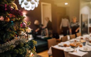 Η πεθερά ζήτησε από την οικογένεια να πληρώσει… ρεφενέ το χριστουγεννιάτικο τραπέζι