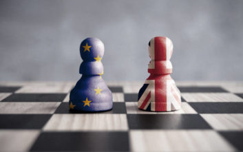 Υπάρχει ακόμη κίνδυνος εξόδου χωρίς συμφωνία, τονίζει ο Βρετανός υπ. Εμπορίου