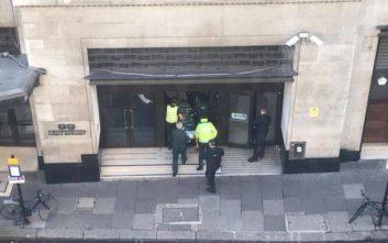 Μία σύλληψη, δύο τραυματίες στα γραφεία της Sony στο Λονδίνο