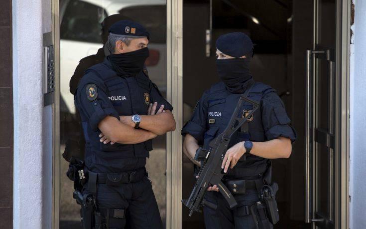 Η ισπανική κυβέρνηση απειλεί να στείλει την Εθνική Αστυνομία στην Καταλονία