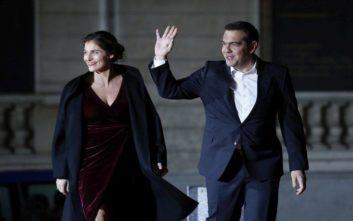 Σε δείπνο στο Παρίσι με δεκάδες ηγέτες Τσίπρας- Μπαζιάνα