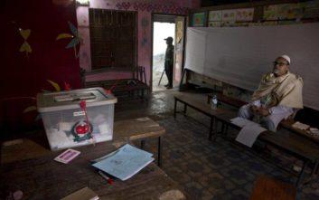 Η πρωθυπουργός Σέιχ Χασίνα κέρδισε τις βουλευτικές εκλογές στο Μπανγκλαντές