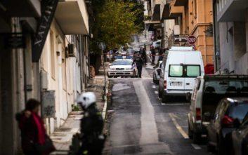 Τραυματίστηκαν ένας αστυνομικός και ο νεωκόρος του Αγίου Διονυσίου