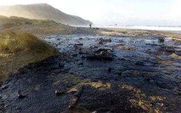 Διαρροή 40.000 λίτρων πετρελαίου ανοιχτά της Χιλής