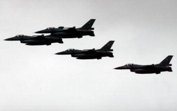 Τουρκικά μαχητικά πέταξαν πάνω από ελληνικά νησιά ανήμερα Χριστουγέννων