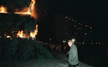 Η Φλώρινα γιορτάζει τα Χριστούγεννα με φωτιές