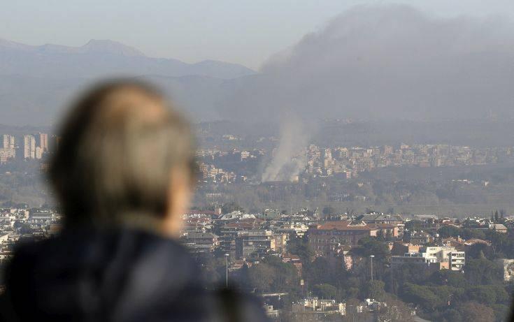 Πυρκαγιά σε κέντρο συλλογής και επεξεργασίας απορριμμάτων στη Ρώμη