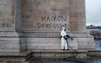 Ψάχνει λύση η γαλλική κυβέρνηση, την ώρα που ξεχειλίζει η οργή των «κίτρινων γιλέκων»
