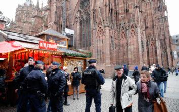 H χριστουγεννιάτικη αγορά του Στρασβούργου άνοιξε ξανά