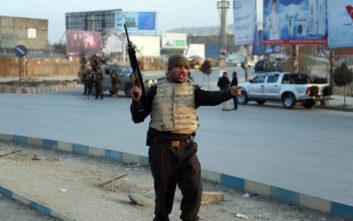 Στους 21 τουλάχιστον οι νεκροί από επίθεση στο Αφγανιστάν