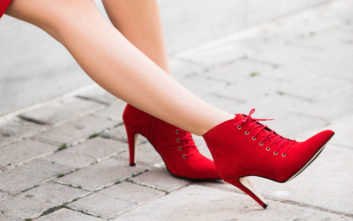 Τα πιο εκτυφλωτικά παπούτσια για τις γιορτινές σας εμφανίσεις