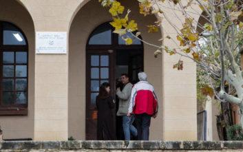 Καθηγητής κατήγγειλε ότι δέχτηκε απειλές από τον πατέρα κατηγορούμενου για την δολοφονία στη Ρόδο
