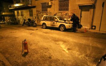 Φωτογραφίες από το σημείο της επίθεσης κατά διμοιρίας στο σπίτι του Φλαμπουράρη