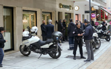 Ληστεία με 30 Rolex στην καρδιά της Αθήνας