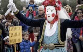 Ξεκίνησε το εντυπωσιακό έθιμο των Μωμόγερων στην Κοζάνη