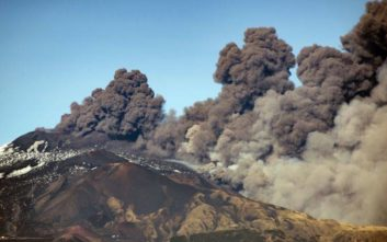 Βίντεο από τη στιγμή της έκρηξης της Αίτνας