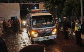 Τσουνάμι με τουλάχιστον 20 νεκρούς στην Ινδονησία