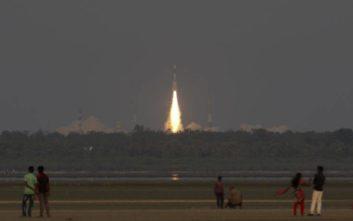 Η Ινδία ετοιμάζεται να στείλει για πρώτη φορά αστροναύτες στο διάστημα