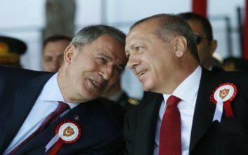 Τούρκος υπουργός Άμυνας: Θα προστατεύσουμε τα συμφέροντά μας στο Αιγαίο